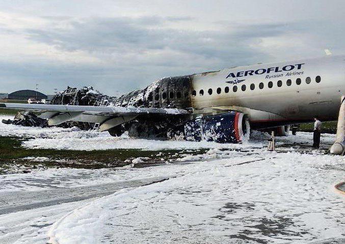 Superjet 100, l'aereo caduto a Mosca nato da una joint venture italo-russa