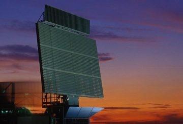 L' Aeronautica schiera a Lampedusa il nuovo radar FADR RAT-31DL
