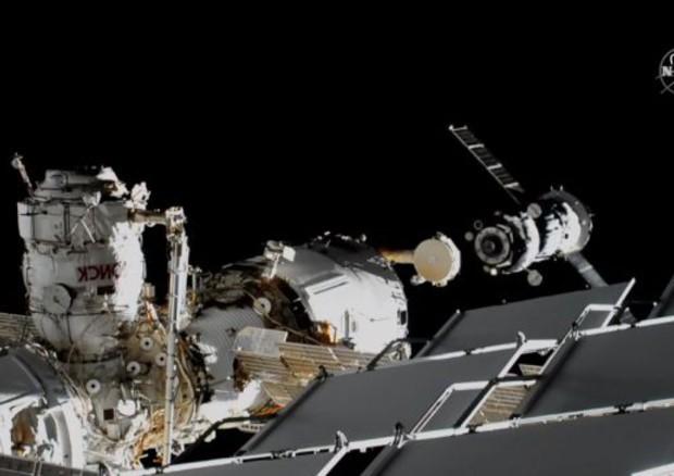 L'aggancio della Soyuz del robot Fyodor alla Stazione Spaziale