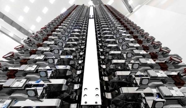 SpaceX, nei piani il lancio di 30 mila nuovi satelliti per la connettività internet