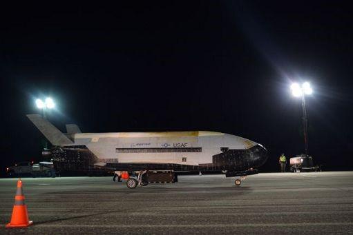 Il Mini-Shuttle Usaf X-37B atterrato dopo 780 giorni in orbita