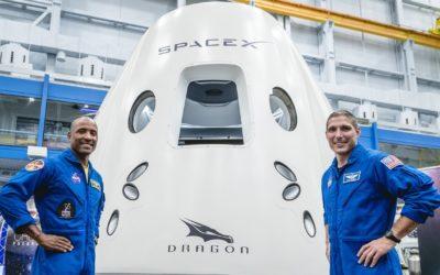 SpaceX, primi turisti nello spazio già a partire dal 2021: siglato l'accordo commerciale
