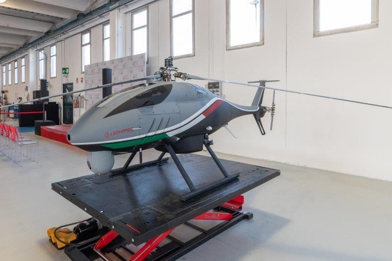 Leonardo estende i servizi di addestramento ai sistemi ad ala rotante a pilotaggio da remoto