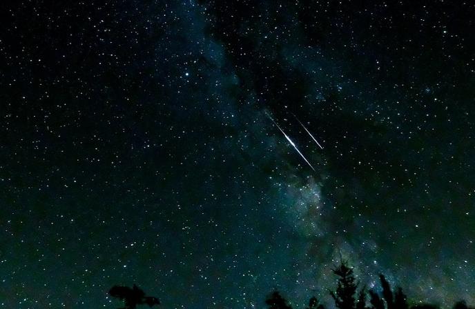 Giganti e stelle cadenti nel cielo di agosto Il picco delle Perseidi atteso fra l'11 e il 13