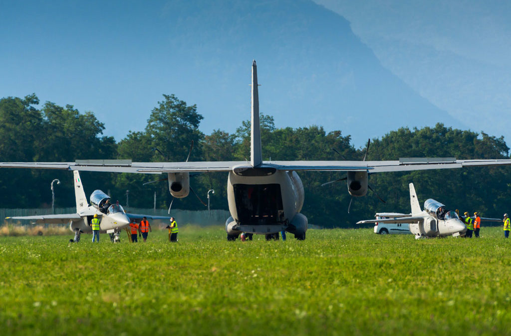 A Venegono attività fotografica tra M-345, M-346 e C-27J
