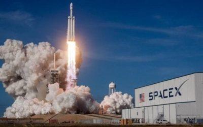 """Elon Musk conquista la Luna, la Nasa sceglie SpaceX per riportare gli astronauti sul satellite: """"Una nuova era"""""""