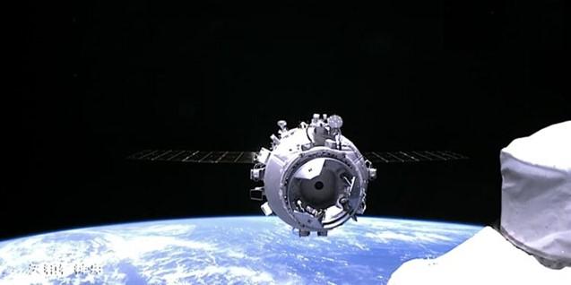 Tre taikonauti sono attraccati alla Stazione Spaziale Cinese