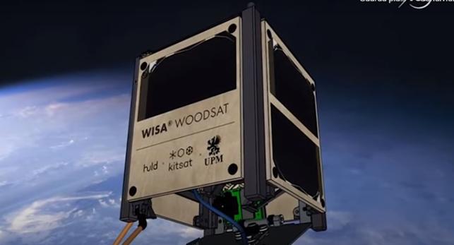 Ecco il primo satellite di legno