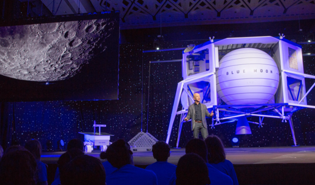 Bezos seduce la Nasa per strappare il contratto del lander lunare a SpaceX